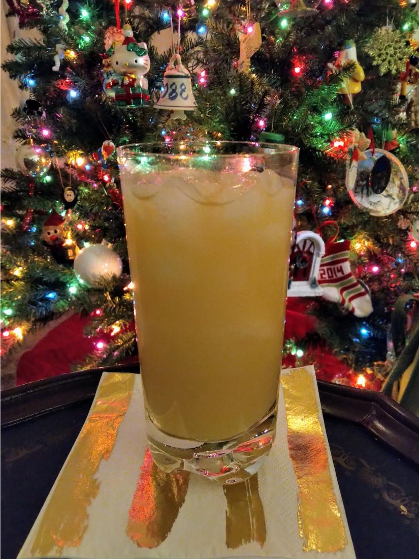 Ednas Lunchbox light beer amaretto orange juice Christmas tree.jpeg